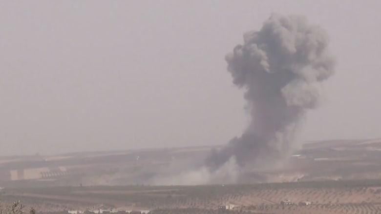 بالفيديو.. غارات روسية على بلدتي اللطامنة وخان شيخون بسوريا