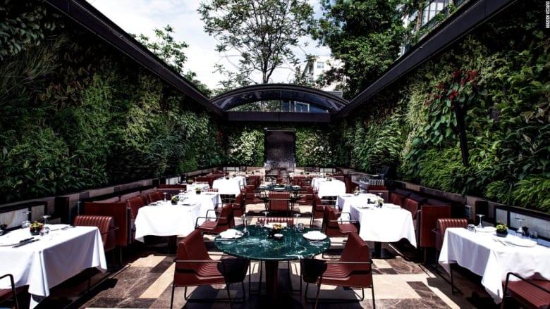 """من لندن مروراً باسطنبول وصولاً إلى تايلاند.. أجمل المطاعم بتصاميم """"آخاذة"""""""