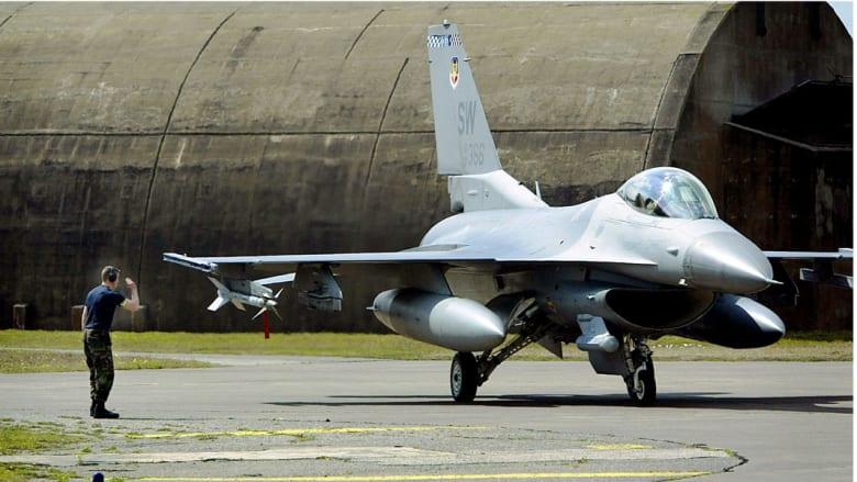 أمريكا تضطر إلى تغيير مسار إحدى طائراتها لتفادي المواجهة مع مقاتلة روسية في سوريا.. وموسكو تعلن عن 112 غارة منذ بدء هجماتها
