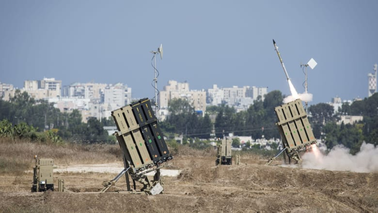 اشتباكات ليلية عنيفة بالضفة والقبة الحديدية تعترض صاروخاً من غزة فوق عسقلان
