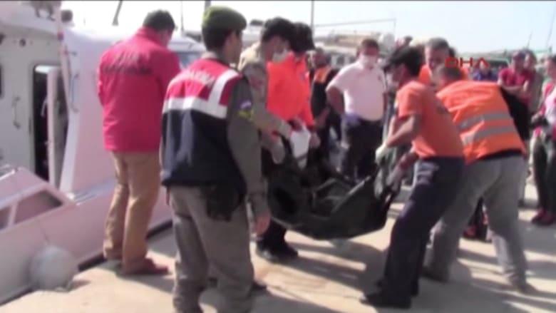 بالفيديو..مصرع 12 بغرق قارب يحمل لاجئين قبالة السواحل التركية