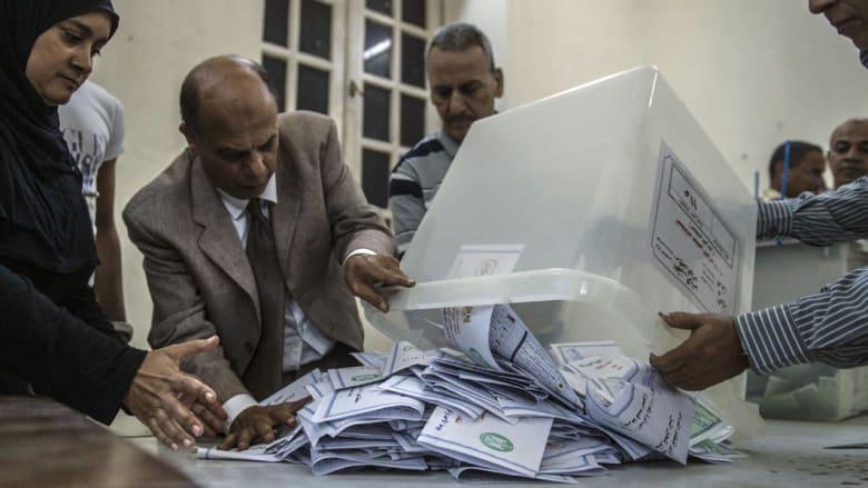 """قائمة """"في حب مصر"""" تحصد أول 60 مقعداً بـ""""مجلس نواب 2015"""" وحسم 4 من 226 للفردي وجولة إعادة بجميع الدوائر"""