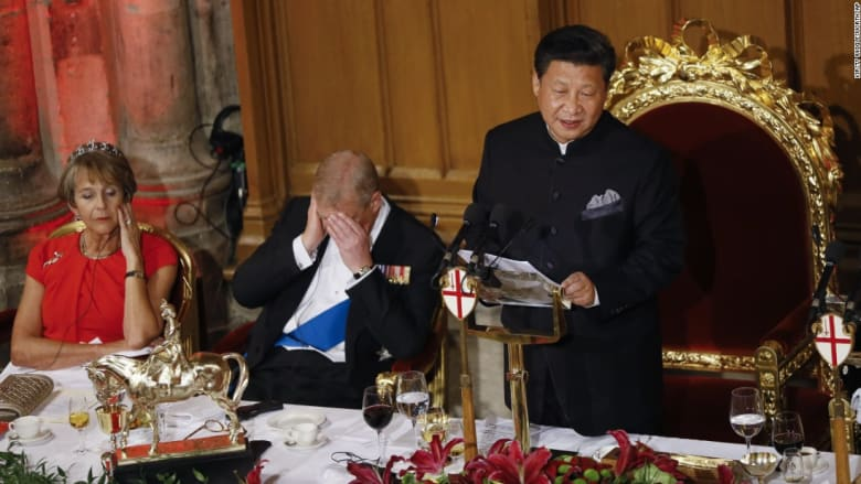 بالصور.. قيلولة الزعماء السياسيين في مناسبات رسمية.. النوم سلطان