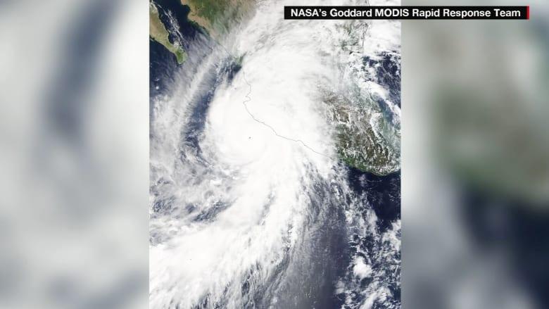 شاهد من الفضاء.. الإعصار الأقوى في التاريخ يجتاح المكسيك