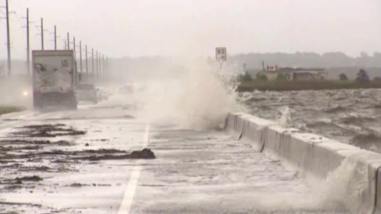 بالفيديو.. أمطار غزيرة تسبب فيضانات عارمة بولاية ألاباما الأمريكية