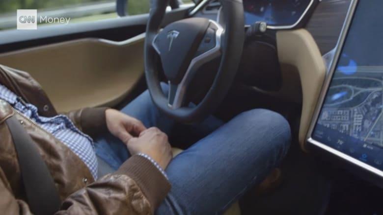 شاهد بالفيديو: جولة في شوارع أمريكا لتجربة سيارة تقود نفسها بنفسها
