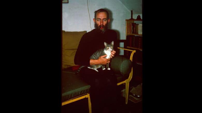 بالصور... أشهر الفنانين وقططهم المفضلة