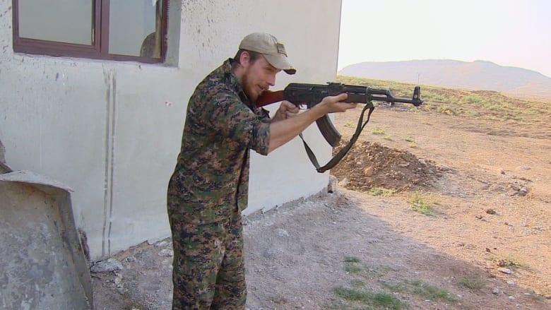 """جندي أمريكي يقاتل داعش بسوريا: هذه ليست لعبة فيديو """"CALL OF DUTY"""""""