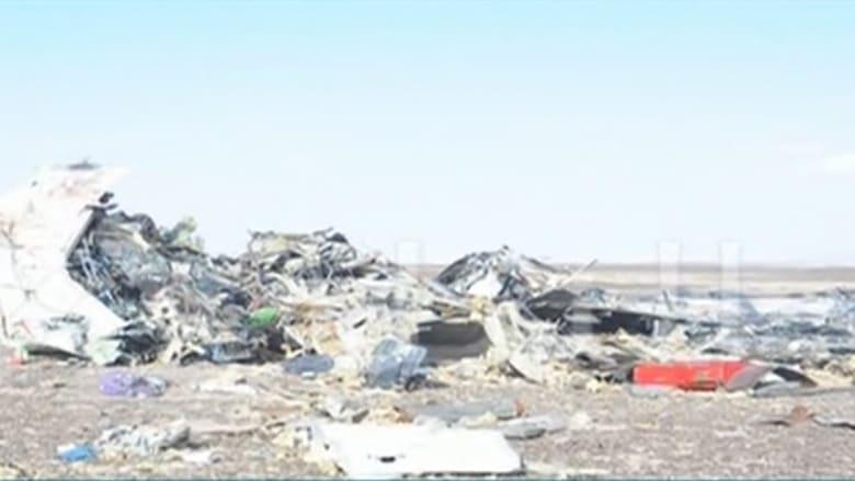 شاهد.. حطام الطائرة الروسية في سيناء ونقل جثث الضحايا إلى مشرحة زينهم.. ووزير الطيران يعلن العثور على الصندوقين الأسودين