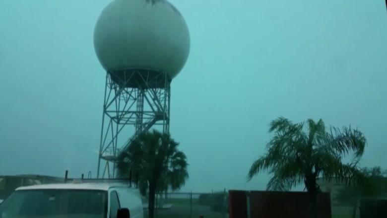 شاهد.. البرق يضرب برج مراقبة أحوال الطقس في تكساس