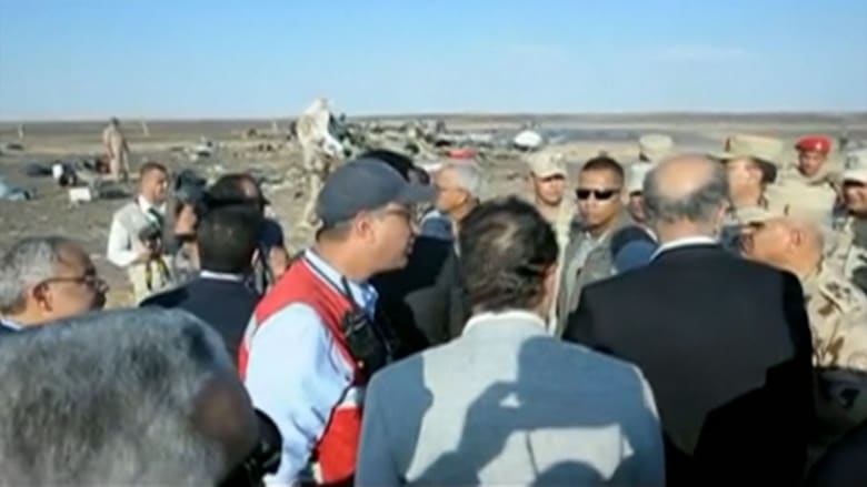 بالفيديو: ماذا تقول المصادر الأمنية بمصر عن موقع سقوط الطائرة وقدرات المسلحين؟
