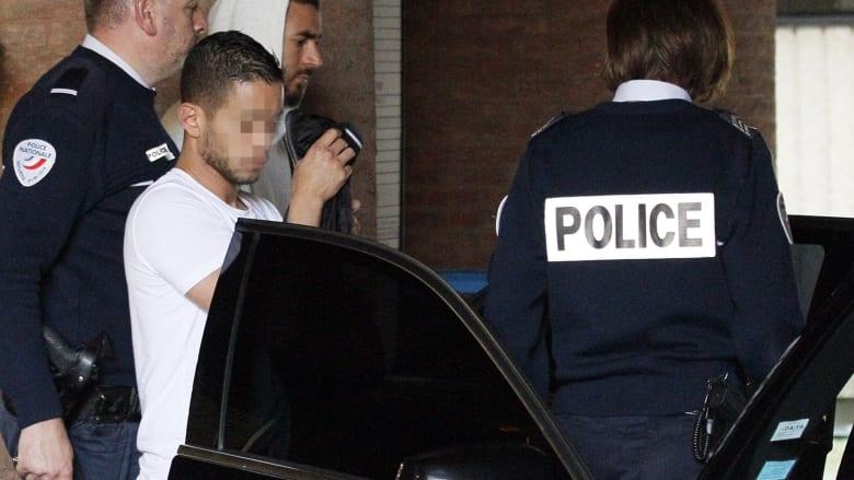 """التحقيق مع كريم بنزيمة بتهمة """"الابتزاز"""" من خلال شريط جنسي.. ورئيس ريال """"يدعمه بالكامل"""""""