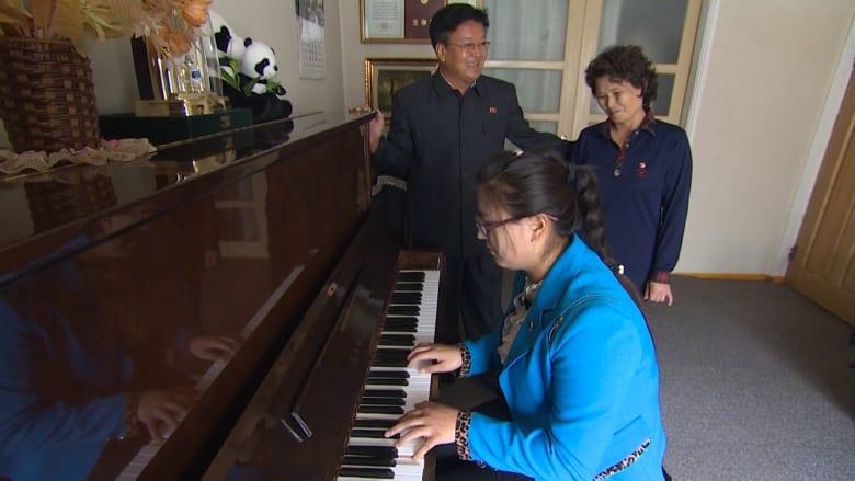 سجين سابق اختارته كوريا الشمالية للقاء CNN: الطعام متوفر بكثرة والحديث عن التعذيب كلام فارغ