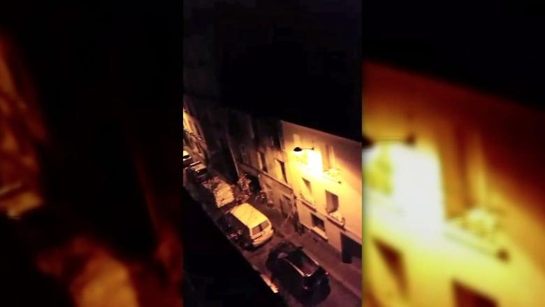 بالفيديو.. مشاهد من عملية دهم للشرطة الفرنسية على مواقع مشتبهين شمال باريس
