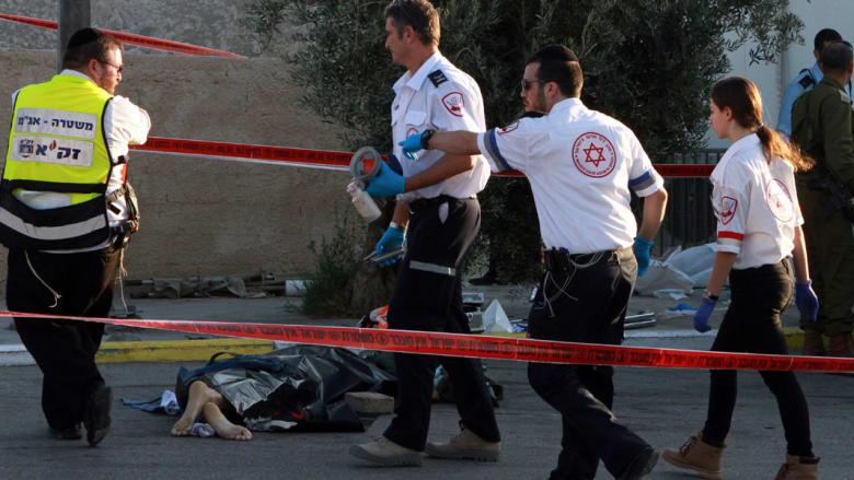 """مقتل 3 فلسطينيين وإسرائيلي في هجمات طعن ودهس بالقدس والضفة وإصابة 8 بينهم اثنان """"بالخطأ"""""""