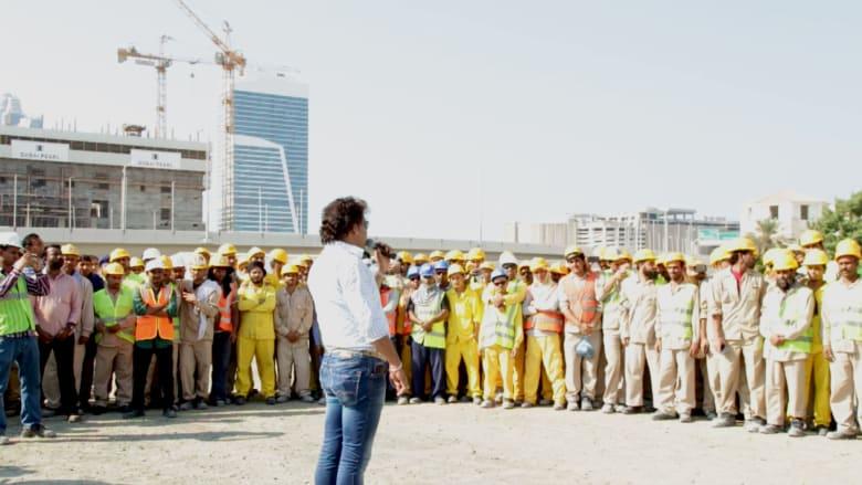 """تقديرا لجهودهم وإحياء لـ""""روح الاتحاد""""... CNN تكرم500  عامل بناء آسيوي في دبي"""