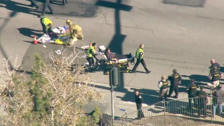 """بالفيديو.. المشاهد الأولية لحادثة اطلاق النار بمنطقة """"سان برناردينو"""" بكاليفورنيا"""