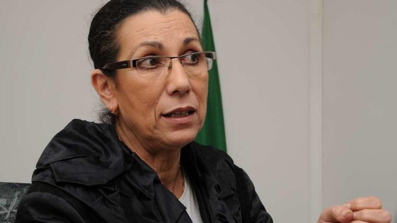 """لويزة حنون تدافع عن الجنرال توفيق: """"شكرًا سيدي الجنرال لإخلاصك لروح الثورة الجزائرية"""""""