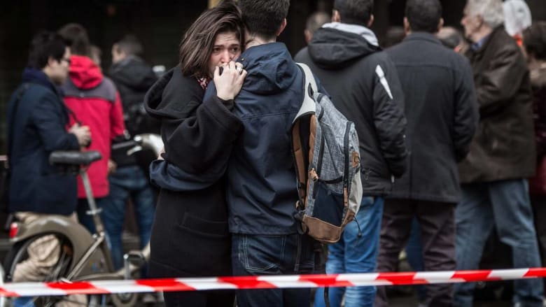 مصدر: أباعود مرّ عبر اليونان قبل هجمات باريس.. ومساعدان له استخدما جوازات سورية مزورة