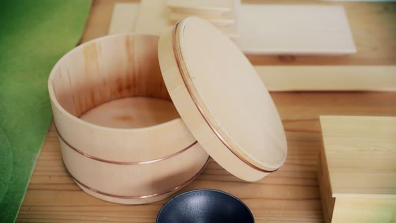 """بالفيديو.. تعرف على منتجات """"اوكيه"""" الخشبية.. صناعة يابانية تقليدية تتوارثها الأجيال بـ""""فلسفة"""""""