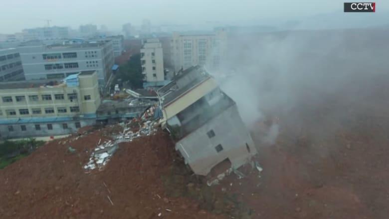 شاهد الدمار الواسع بعد انهيار أرضي بالصين التقطته كاميرا طائرة دون طيار