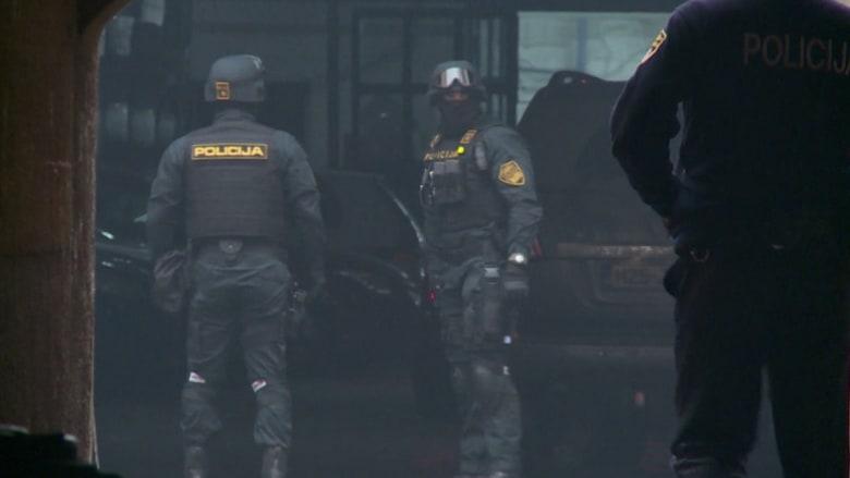 بعد التشديدات الأمنية في أوروبا.. البوسنة تشن مداهمات وتعتقل 11 شخصاً على علاقة بداعش