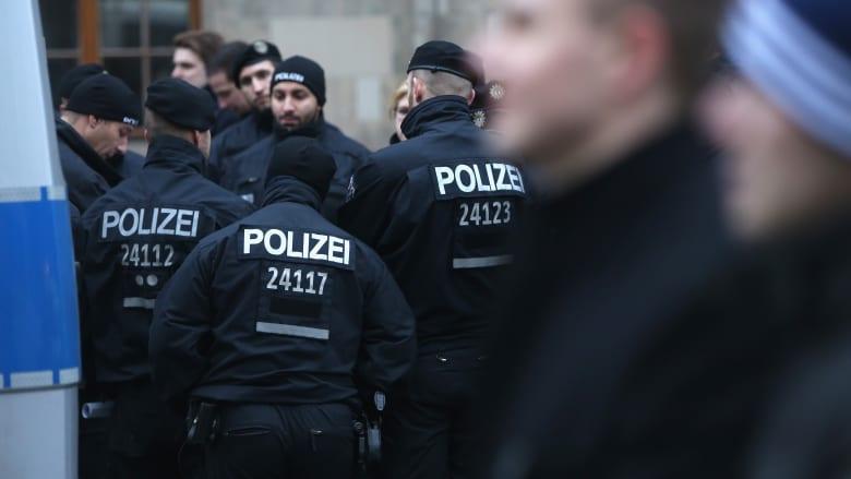 """ميونيخ تخلي محطتي قطار إثر """"خطط محتملة لهجمات إرهابية"""" وتستنفر قواتها للبحث عن المشتبه بهم المحتملين"""