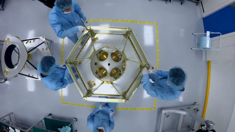 """دبي تعلن انتهاء التصميم النهائي لقمرها الصناعي الثالث """"خليفة سات"""""""