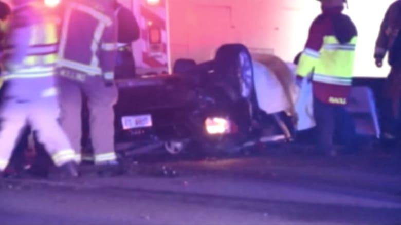 بالفيديو: مقتل ثلاثة شبان بعد سقوط سيارتهم من ارتفاع 15 مترا في أتلانتا