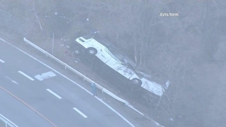 مشهد مروع.. انقلاب حافلة في اليابان يقتل 14 سائحاً