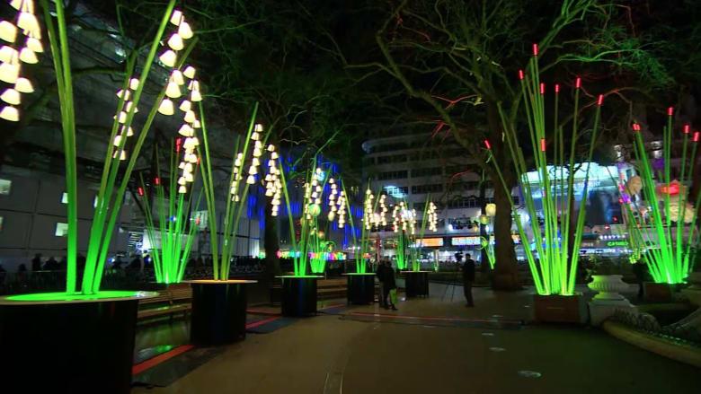 شاهد.. الأضواء تزين مدينة لندن في مهرجان الأنوار