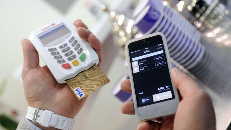 هل تستعمل الهاتف لإتمام العمليات المصرفية؟ تعرّف إلى هذه الحقائق المهمة