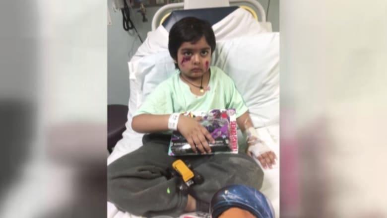"""بالفيديو: رجل ينقذ طفلا من هجوم """"راكون"""" مضطرب في نيوجيرسي"""
