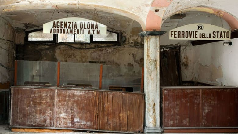 رحلة داخل حمامات ميلانو السرية..حلاقة وتقليم أظافر واسترخاء في أحواض استحمام راقية