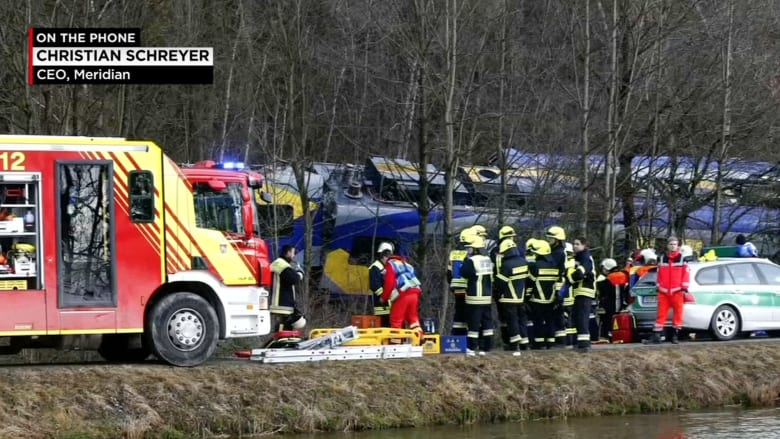 مدير الشركة المشغلة للقطارين المتصادمين بألمانيا: القطاران كانا على نفس المسار في الوقت ذاته.. ولا نعرف ما حدث
