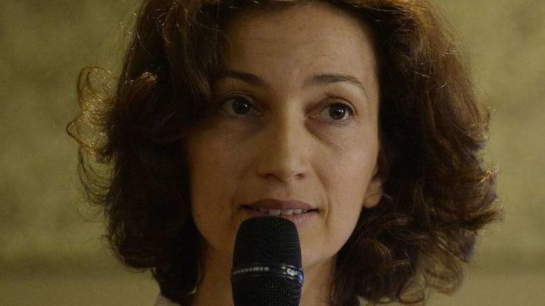 تعيين ابنة مستشار العاهل المغربي وزيرة للثقافة والاتصال في فرنسا