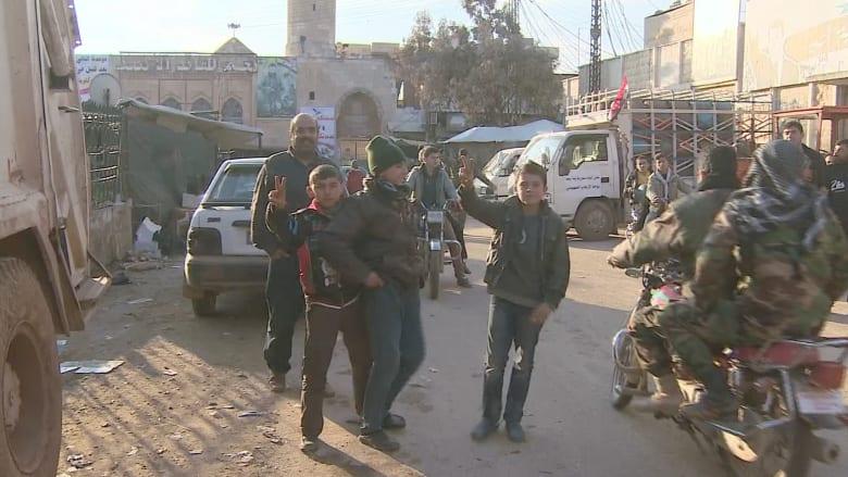 بالفيديو: كاميرا CNN داخل مدينة نبل الموالية للأسد بعد فك الحصار عنها