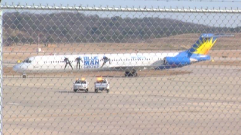 بالفيديو: هبوط اضطراري لطائرة ركاب تحمل 153 شخصا بسبب رائحة ماس كهربائي