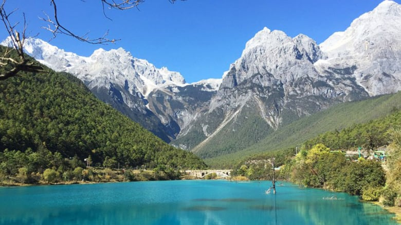 أهلاً بكم في ولاية يونان... أرض العجائب حيث تُروى أساطير 25 إثنية مختلفة في الصين