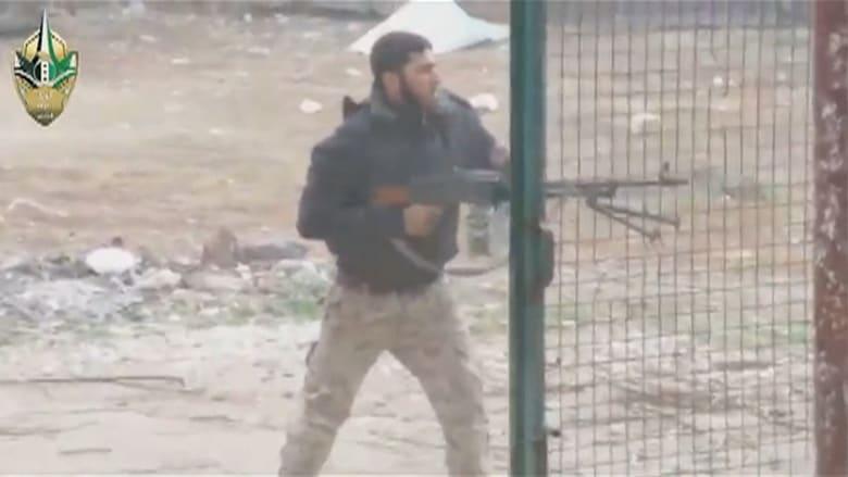 """بالفيديو: الجيش السوري يتقدم في جنوب البلاد.. والمعارضة تتهم """"الدب الروسي"""" بذبحها وقتلها"""