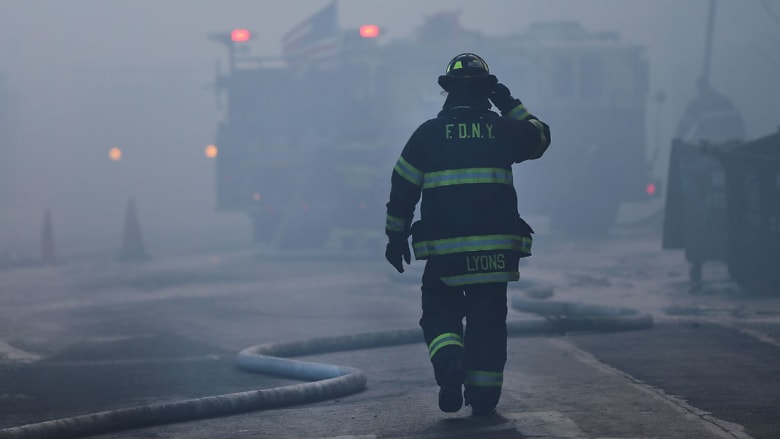 زيارة إلى مركز الإطفاء تساعد طفلة في إنقاذ جدتها الكفيفة من حريق في منزلها