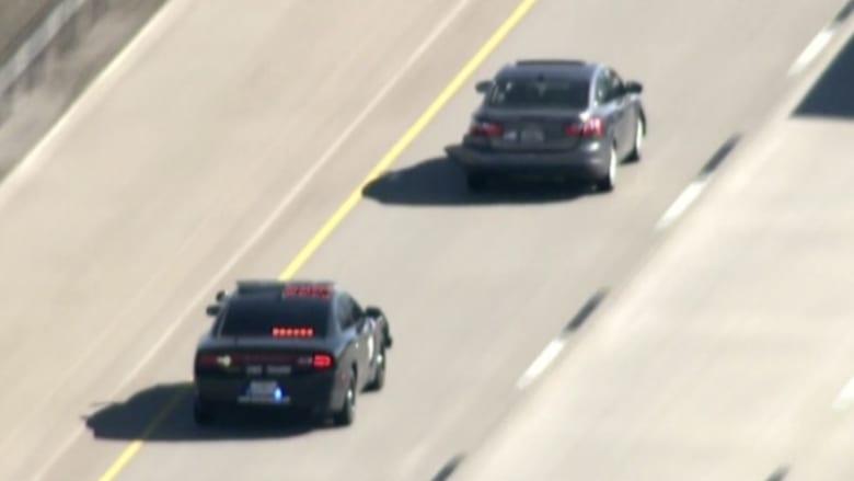بالفيديو: مطاردة سريعة لمشتبه به تنتهي بتحطم سيارته في ولاية أوكلاهوما