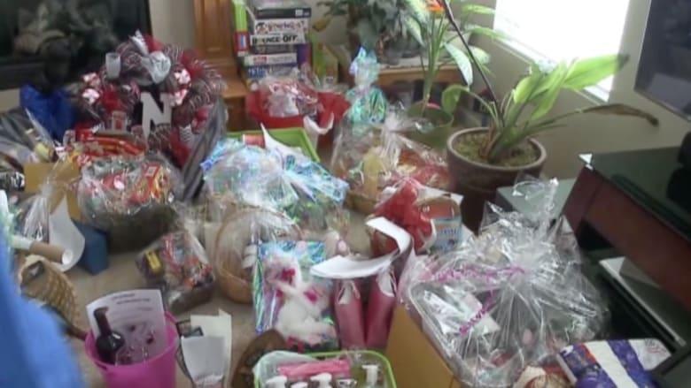 بالفيديو: عائلات في نبراسكا تجمع التبرعات لعلاج موظفة مصابة بالسرطان