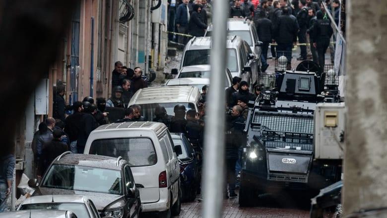 تركيا: الأمن يقتل امرأتين مسلحتين أطلقتا النار على وحدة مكافحة الشغب