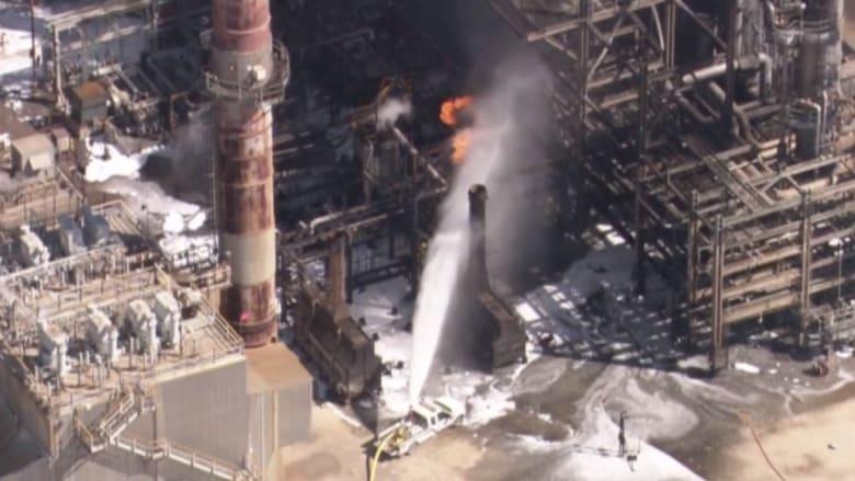 بالفيديو: السيطرة على حريق هائل في مصفاة نفط في ولاية تكساس