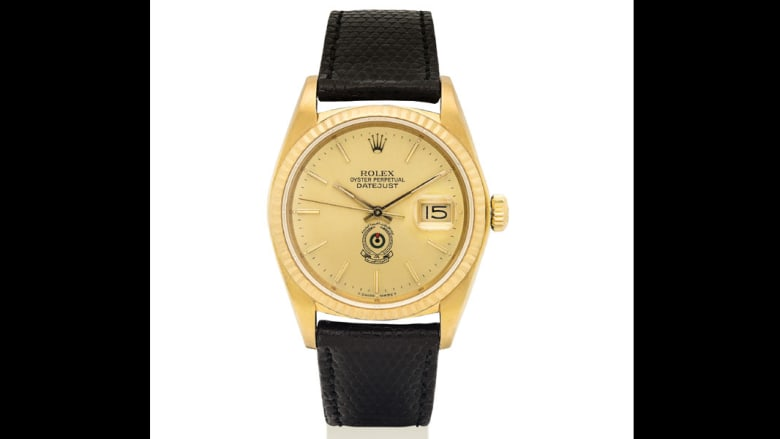 تود الحصول على ساعة صنعت لصدام حسين أو الشيخ خليفة أو الملك فيصل؟ إليك الطريقة..