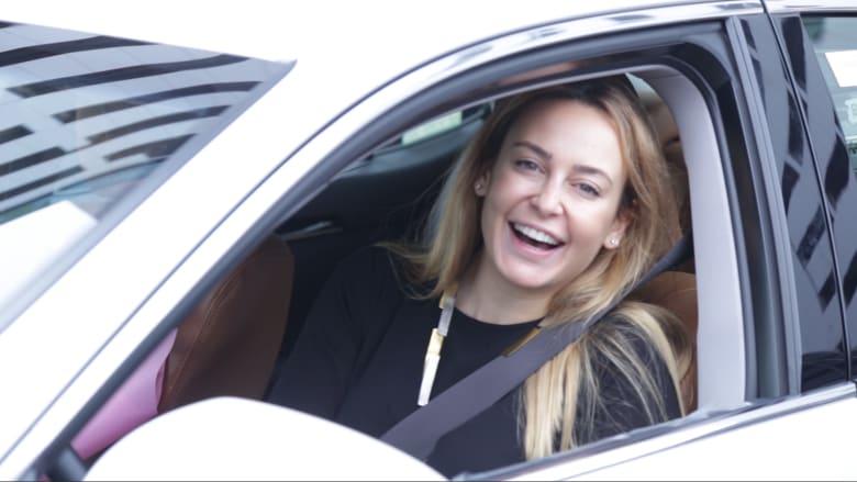 """نساء إماراتيات يتحدين """"الصور النمطية"""" بقيادة سيارات الأجرة ليوم واحد"""
