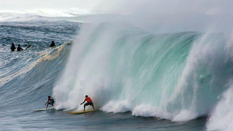 ما هي أكثر الوجهات مثالية وتشويقاً لركوب الأمواج؟