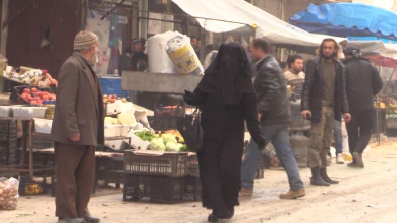 شاهد عدسة CNN في بلدة أريحا السورية أثناء القصف الروسي.. ضربات دموية على سوق شعبية