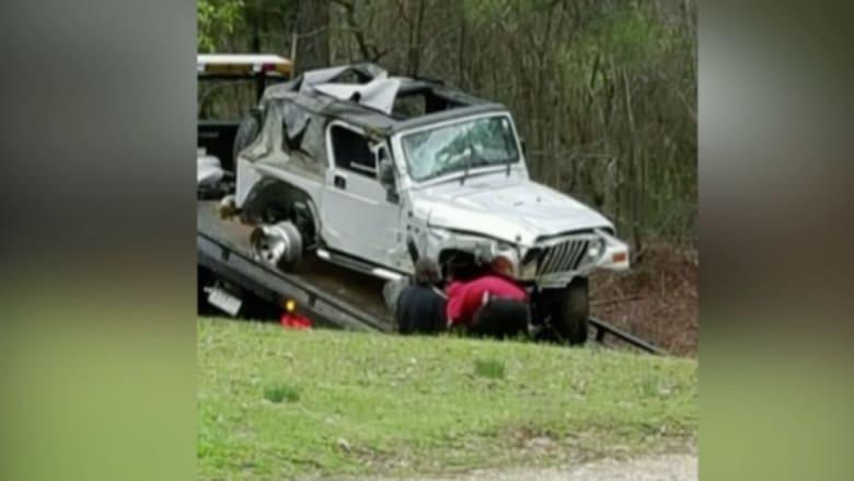 بالفيديو: أب وابنه ينقذان سائقاً من الموت حرقاً داخل سيارة